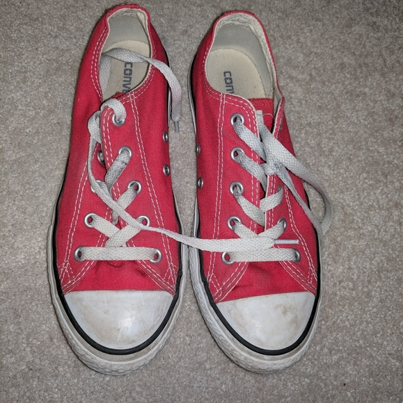 boys red converse sneakers